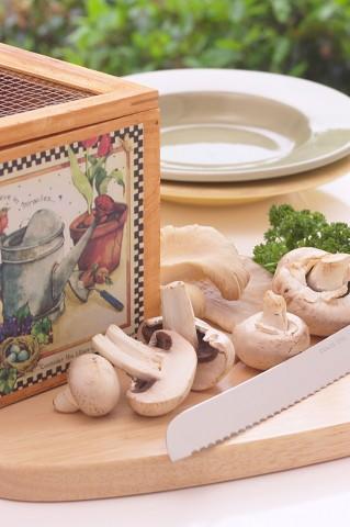 champignons zubereiten braten als vorspeise einfache schnelle rezepte. Black Bedroom Furniture Sets. Home Design Ideas
