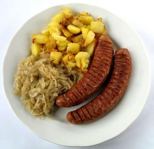 bratwurst-mit-sauerkraut